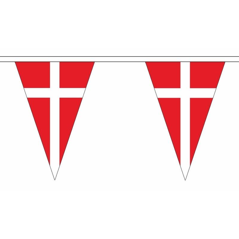 Landen versiering en vlaggen AlleKleurenShirts Denemarken slinger met puntvlaggetjes 5 meter