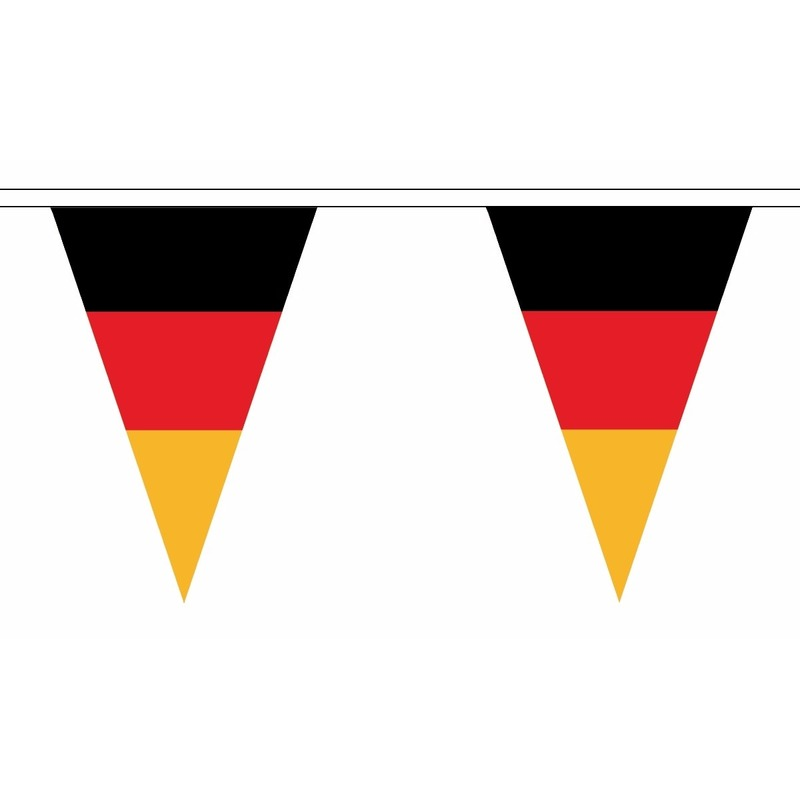 Landen versiering en vlaggen AlleKleurenShirts Duitsland slinger met puntvlaggetjes 5 meter