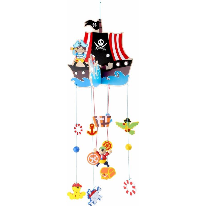 Houten piraten mobiel voor in de kinderkamer-babykamer
