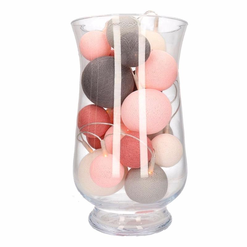 Woondecoratie roze-grijze verlichting in vaas